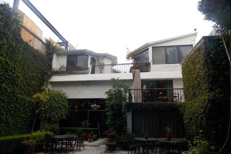 Portada Casa en venta en Jardines del Pedregal, 593 m² con jardín