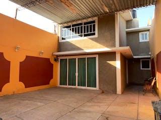 Casa en venta en Santa Maria La Barranca, Estado de México