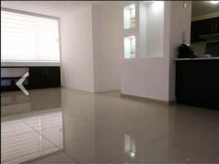 Un cuarto de baño con un suelo de baldosas en blanco y negro en Departamento en Venta en Rincón de la Montaña Atizapán de Zaragoza