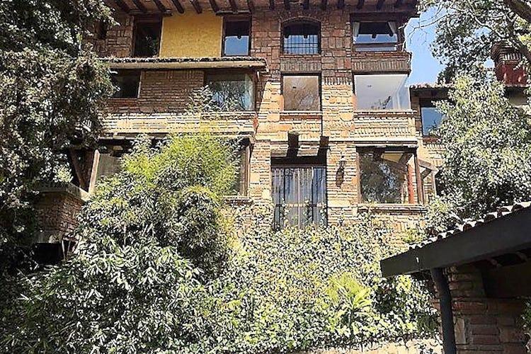 Portada Casa en venta en Lomas de vista Hermosa con balcon  628 m²