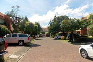 Casa en venta en Santa Úrsula Xitla, 250 m² en condominio