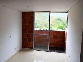 Una cocina con una ventana y una ventana en Apartamento en venta en San Antonio De Pereira con acceso a Gimnasio
