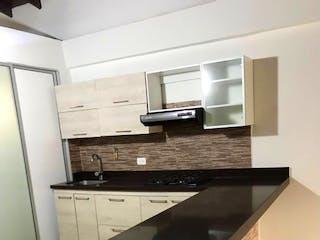 Una cocina con un fregadero y una estufa en Apartamento venta Calasanz, Medellin, Antioquia