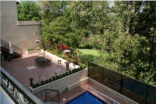 Casa en venta en Club de Golf México, 1,133 m² con alberca