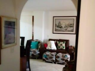 Una vista de un pasillo desde un pasillo en SE VENDE APARTAMENTO EN LOS COLORES