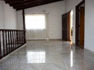 Un cuarto de baño con ducha y lavabo en Apartamento Venta Medellin El Salvador P.3 C.3430877