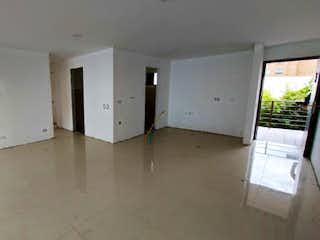 Una habitación que tiene un montón de armarios en ella en Apartamento en Venta EL RETIRO