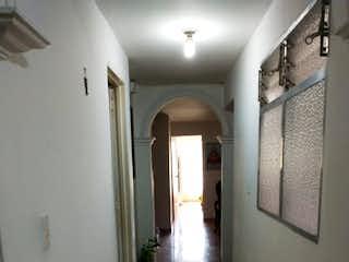 Una vista de un pasillo desde un pasillo en Apartamento en venta en Velódromo con Balcón...
