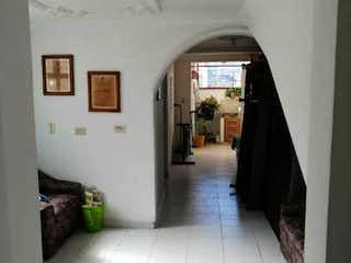 Una vista de un pasillo desde un pasillo en Apartamento en venta en Barrio La América, de 84mtrs2