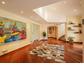Una habitación muy bonita con una gran alfombra en Casa en Venta LA CALERA