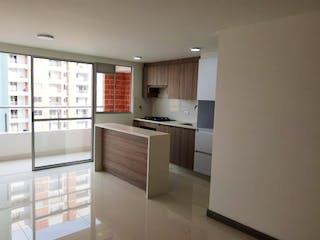 Una cocina con fregadero y nevera en Apartamento en Venta LA ALDEA