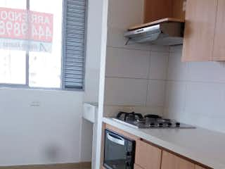 Una cocina con una estufa y un fregadero en Apartamento en venta en Ancon de 80 mtrs2