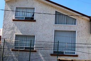 Casa en venta en Valle Escondido  278 m²