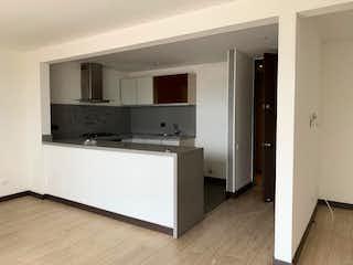 Una cocina con nevera y fregadero en Apartamento en venta en Nueva Zelandia de 86,59 mtrs2