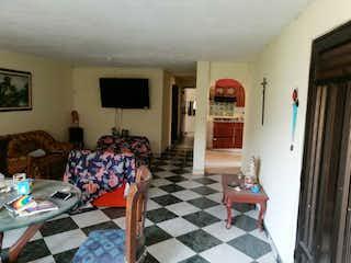 Una sala de estar llena de muebles y una alfombra en Apartamento en venta en Minorista, de 105mtrs2