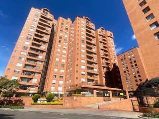 Un gran edificio en medio de una ciudad en Apartamento En Venta En Bogota Lagos De Córdoba