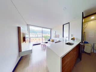 Un cuarto de baño con lavabo y un espejo en Financio Espectacular apartamento