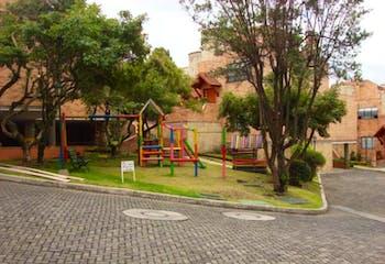 Casa en venta en Casa Blanca Suba de 281m² con Solarium...