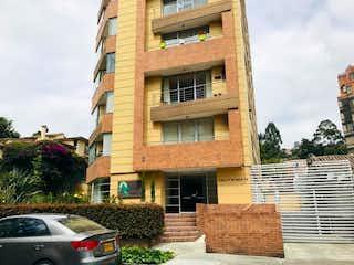 Un gran edificio de ladrillo con una gran ventana en Apartamento en venta en Zona Industrial de 153m² con Bbq...