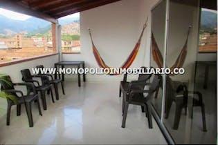 Casa Bifamiliar En Venta En Belén-sector San Bernardo, Cuenta Con Amplio Balcón.