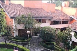 Casa en venta en San Jerónimo Lídice, 600 m² en condominio