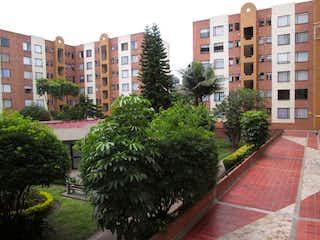 Un gran edificio en medio de una ciudad en Apartamento en Venta CIUDAD SALITRE