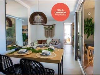 Una sala de estar llena de muebles y una ventana en Apartamento para la venta en el sector Fontibón Rionegro