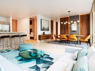 Una sala de estar llena de muebles y una mesa en TUR APARTAMENTOS