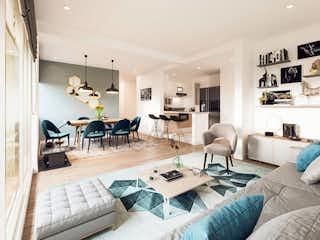Una sala de estar llena de muebles y una mesa en TOSCANA TORES DE HAYUELOS