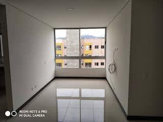 Un baño que tiene una ventana en él en Apartamento en venta en Las Lomitas, 56mt