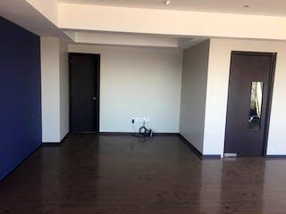 Un cuarto de baño con lavabo y ducha en Departamento en Renta o Venta en Sendero Santa Fe