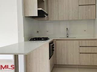 Una cocina con un fregadero y una estufa en Firenzze