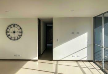 Apartamento en Venta en Rionegro, cuenta con 3 habitaciones y piscina.