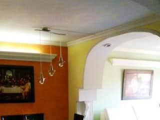 Una vista de una habitación con una cama y una silla en Apartamento para la venta en Calasanz Medellín