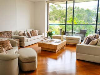 Una sala de estar llena de muebles y una gran ventana en cerros de suba, Apartamento en venta en Casa Blanca Suba con acceso a Gimnasio