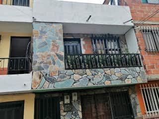 Un edificio con un mural en el costado en Apartamento en Venta BUENOS AIRES