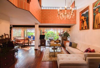 Casa en Poblado, La visitación - 320 mts, 4 alcobas.
