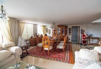 Apartamento en el Poblado - Los balsos 1, cuenta con 4 alcobas cada una con baño.