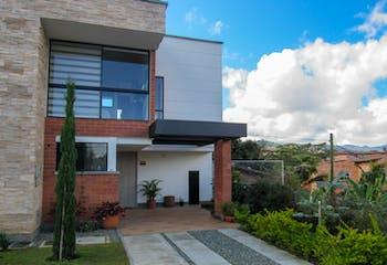 Casa en Venta en El Retiro, en unidad cerrada y ambiente familiar.