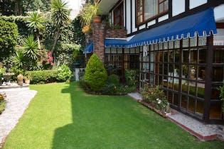 Casa en venta en Real de las Lomas, 838 m² en condominio