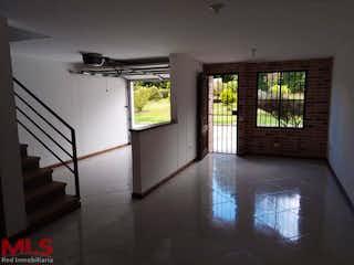 Una habitación que tiene una ventana en ella en Villas de la Argentina