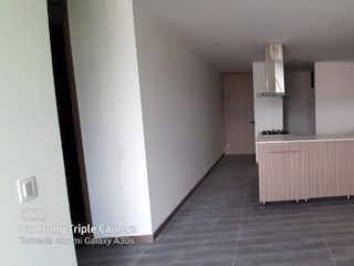Un cuarto de baño con lavabo y un espejo en Apartamento en venta en Virgen del Carmen, de 68mtrs2