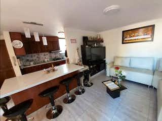 Una sala de estar llena de muebles y una televisión de pantalla plana en FOR SALE APARTMENT / ALCAL ENVIGADO