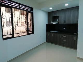 Una cocina con lavabo y microondas en Casa en venta en Boston, de 130mtrs2