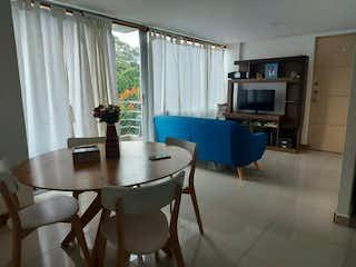 Una sala de estar llena de muebles y una chimenea en Apartamento en venta en La Pilarica con acceso a Jardín