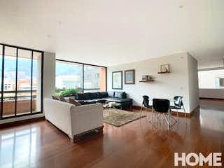 Una sala de estar llena de muebles y una televisión de pantalla plana en CÓMODO Y MODERNO APTO DE 3HABS – 2BALCONES GRANDES – VENTA – Cra17 Cll 90 – VIRREY