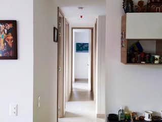 Una cocina con nevera y una nevera en Apartamento en venta en Calasanz de 3 hab. con Piscina...