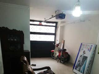 Una sala de estar llena de muebles y una ventana en Vendo de Apartamento en  Belén las playas (Medellín)