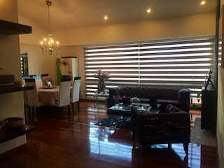 Una sala de estar llena de muebles y una ventana en ZJQ-2 Apartamento en venta, Chico Navarra