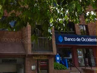 Una señal en el lado de un edificio en Apartamento en Venta LAURELES